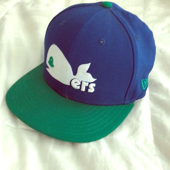 826cc444780 New Era SnapBack Hartford Whalers Throwback Hat. M 5b830f9c8158b55a14bcface